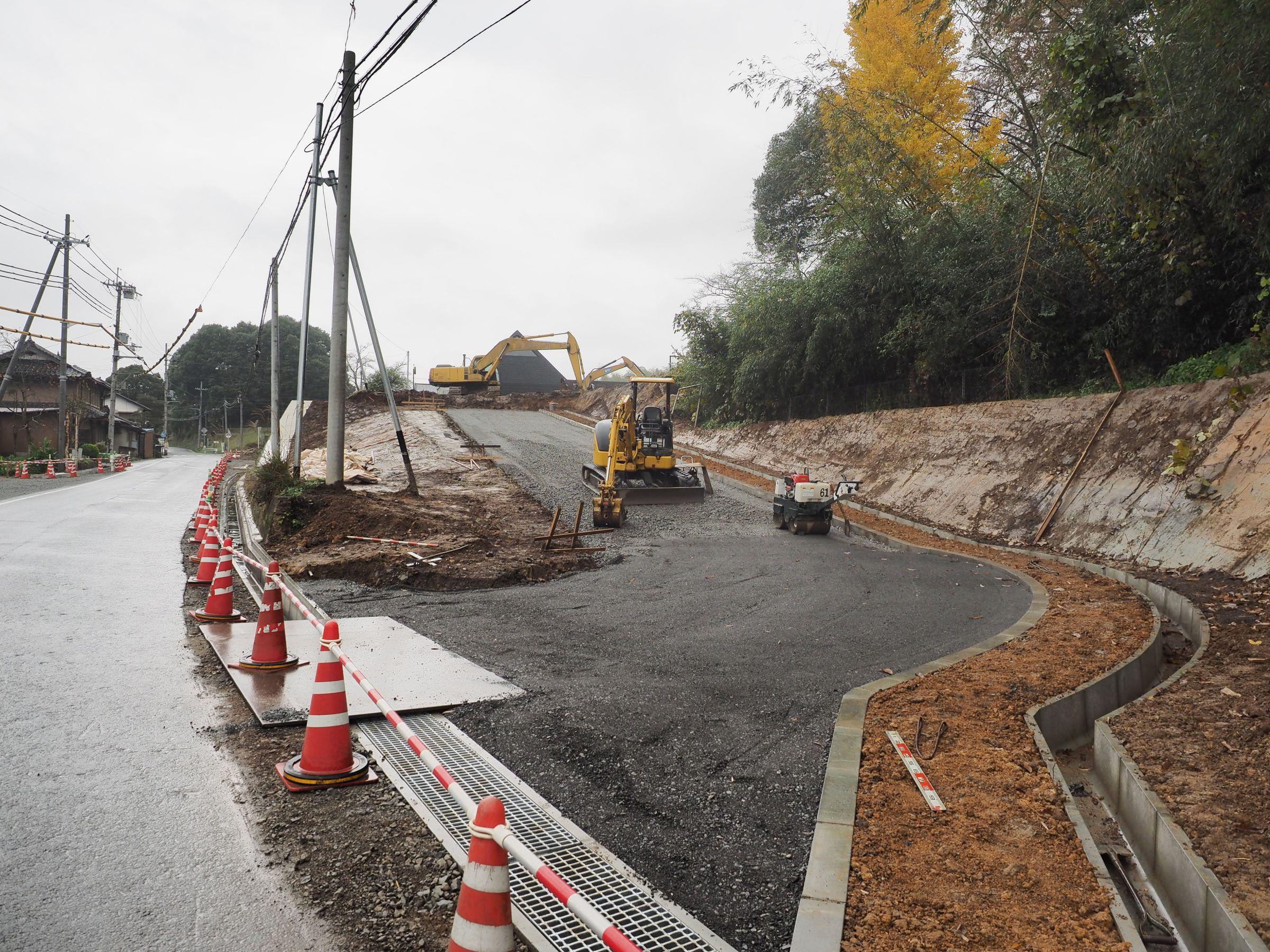 工事中の新進入路は利用不可です...